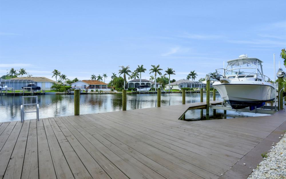 61 Peach Ct, Marco Island - Home For Sale 872337659