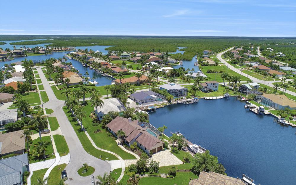 61 Peach Ct, Marco Island - Home For Sale 871829158