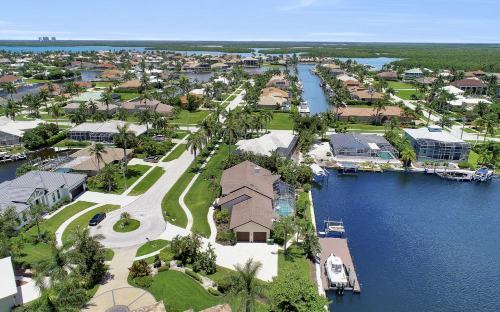 61 Peach Ct, Marco Island - Home For Sale 42759577