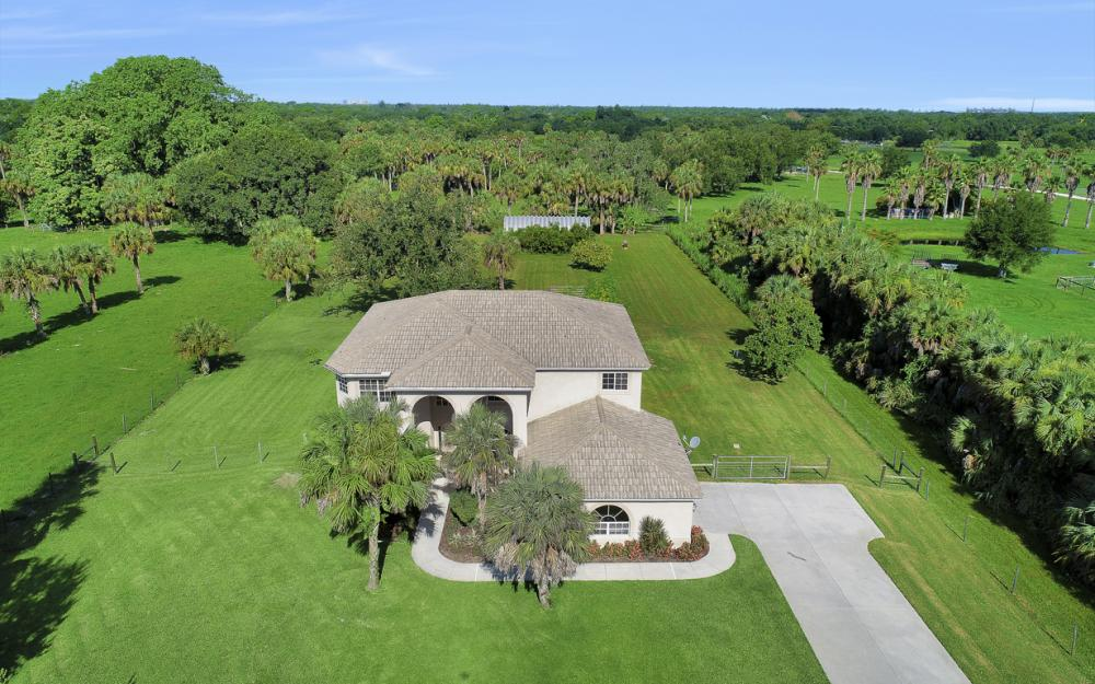 4570 Orange River Loop Rd, Fort Myers - Home For Sale 805217745