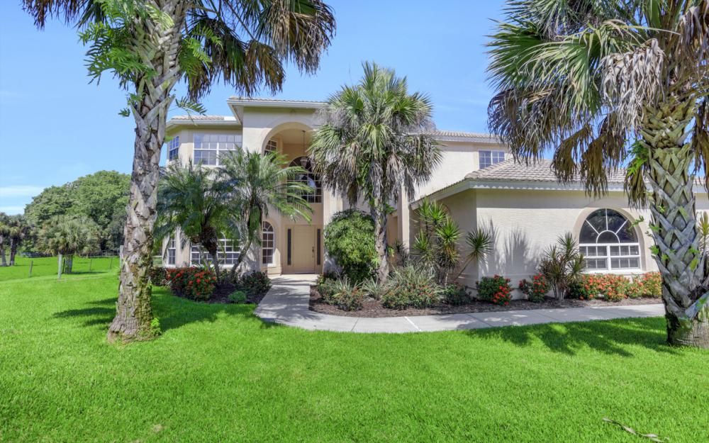 4570 Orange River Loop Rd, Fort Myers - Home For Sale 898105030