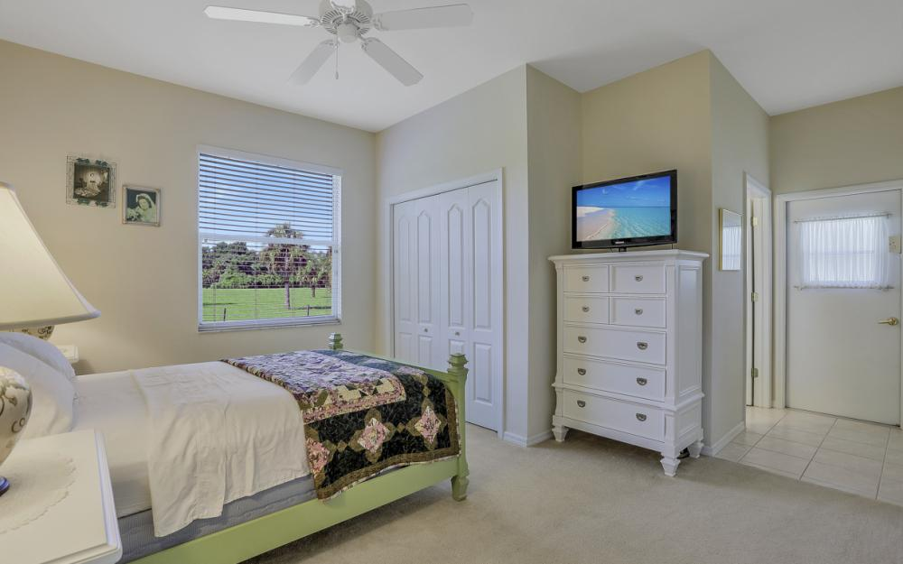 4570 Orange River Loop Rd, Fort Myers - Home For Sale 2103544658