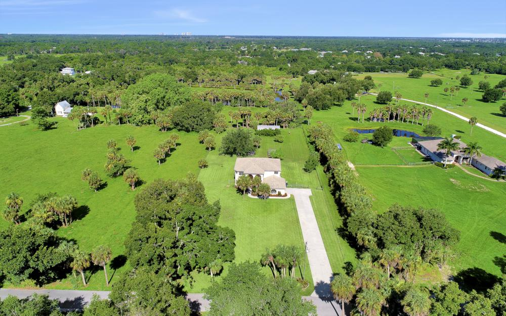 4570 Orange River Loop Rd, Fort Myers - Home For Sale 2049739245