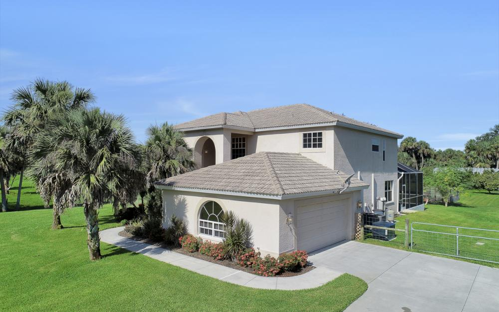 4570 Orange River Loop Rd, Fort Myers - Home For Sale 542971432