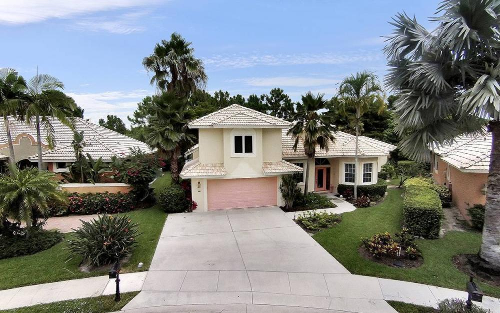 657 Soliel Dr, Naples - House For Sale 714224694