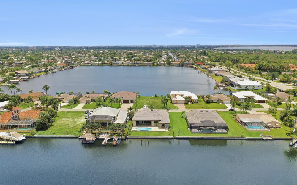 5420 SW 6th Ave, Cape Coral - Home For Sale 333594588