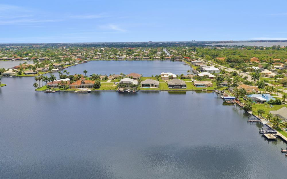 5420 SW 6th Ave, Cape Coral - Home For Sale 598608996