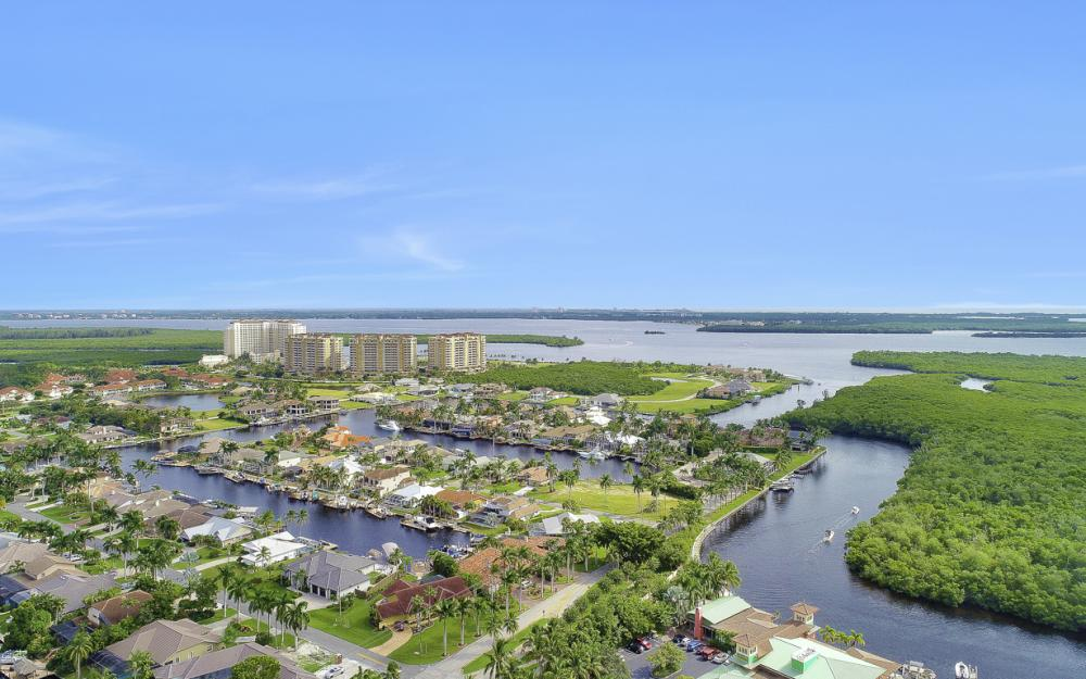 5793 Cape Harbour Dr #911, Cape Coral - Condo For Sale 317993994