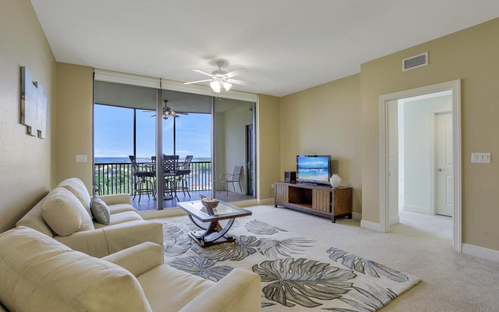 5793 Cape Harbour Dr #911, Cape Coral - Condo For Sale 1452877502