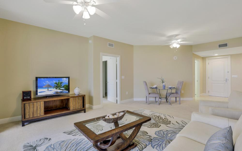 5793 Cape Harbour Dr #911, Cape Coral - Condo For Sale 54332982
