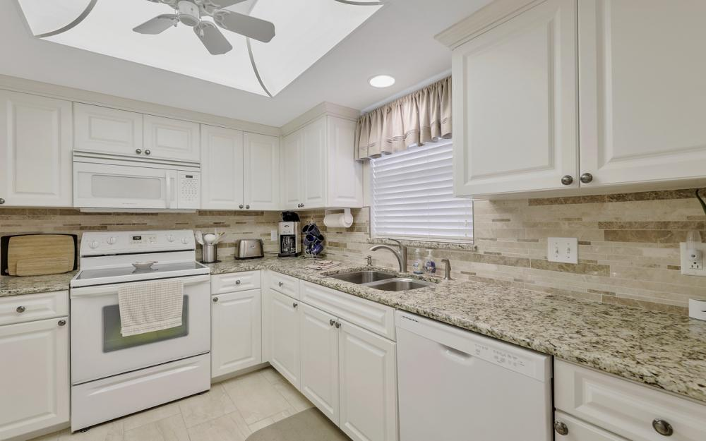 4361 Bay Beach Ln #123, Fort Myers Beach - Condo For Sale 1724502573