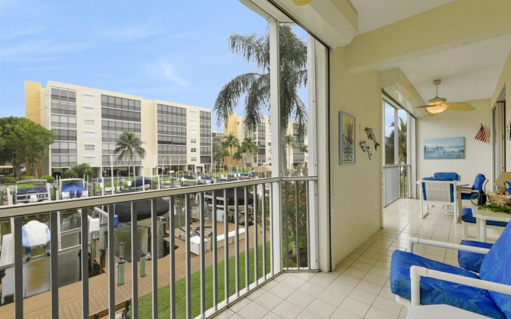 4361 Bay Beach Ln #123, Fort Myers Beach - Condo For Sale 1788091232