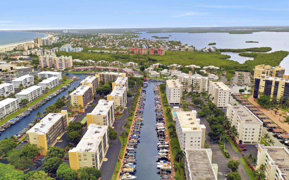 4361 Bay Beach Ln #123, Fort Myers Beach - Condo For Sale 1007489281