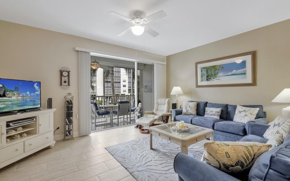4361 Bay Beach Ln #123, Fort Myers Beach - Condo For Sale 704472447