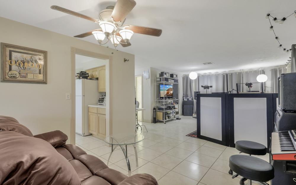 225 SW 45th Ter, Cape Coral - Home For Sale 656215557