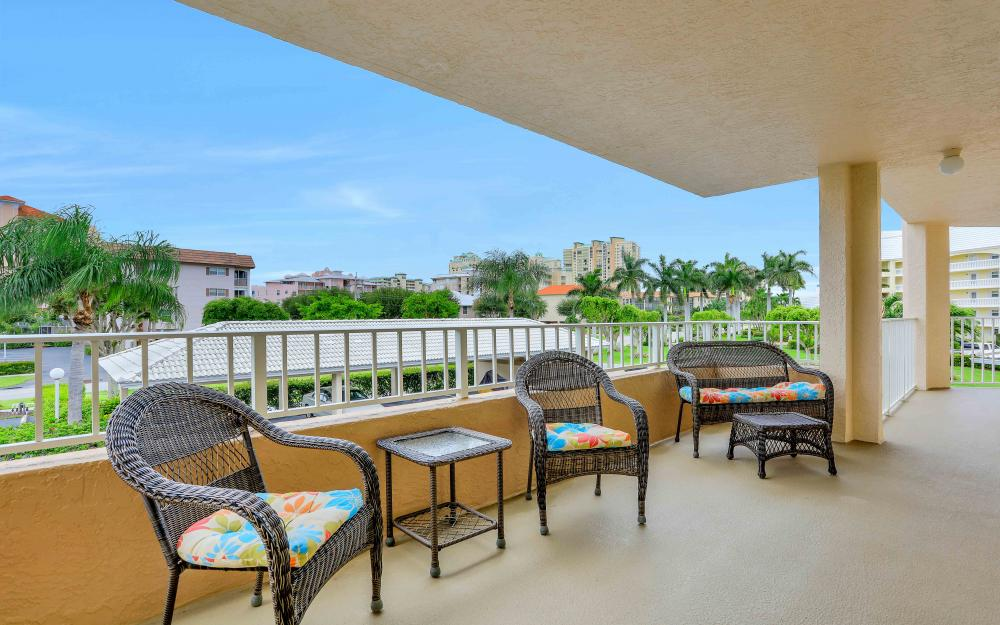 1021 Swallow Ave #204, Marco Island - Condo For Sale 1053535048