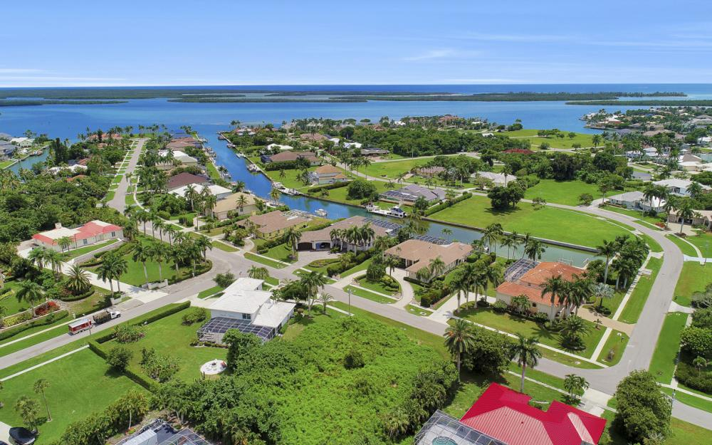 841 Scott Dr, Marco Island - Lot For Sale 1022515952