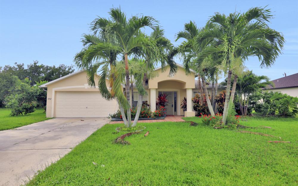 1212 Cape Coral Pkwy W, Cape Coral - Home For Sale 266683094