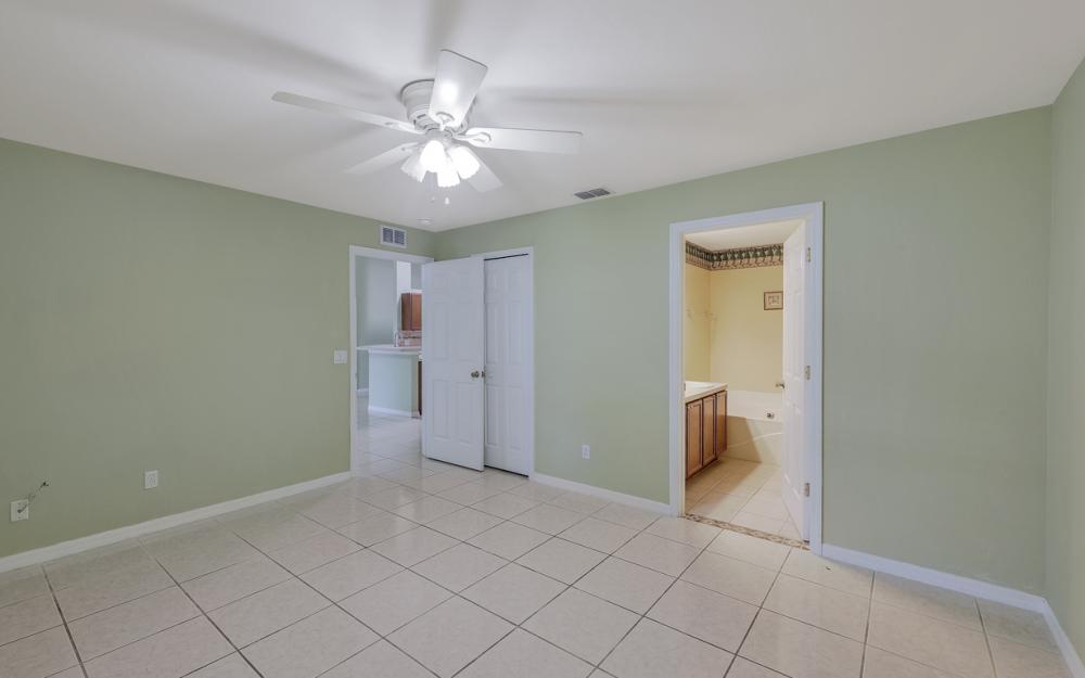 1212 Cape Coral Pkwy W, Cape Coral - Home For Sale 756170070