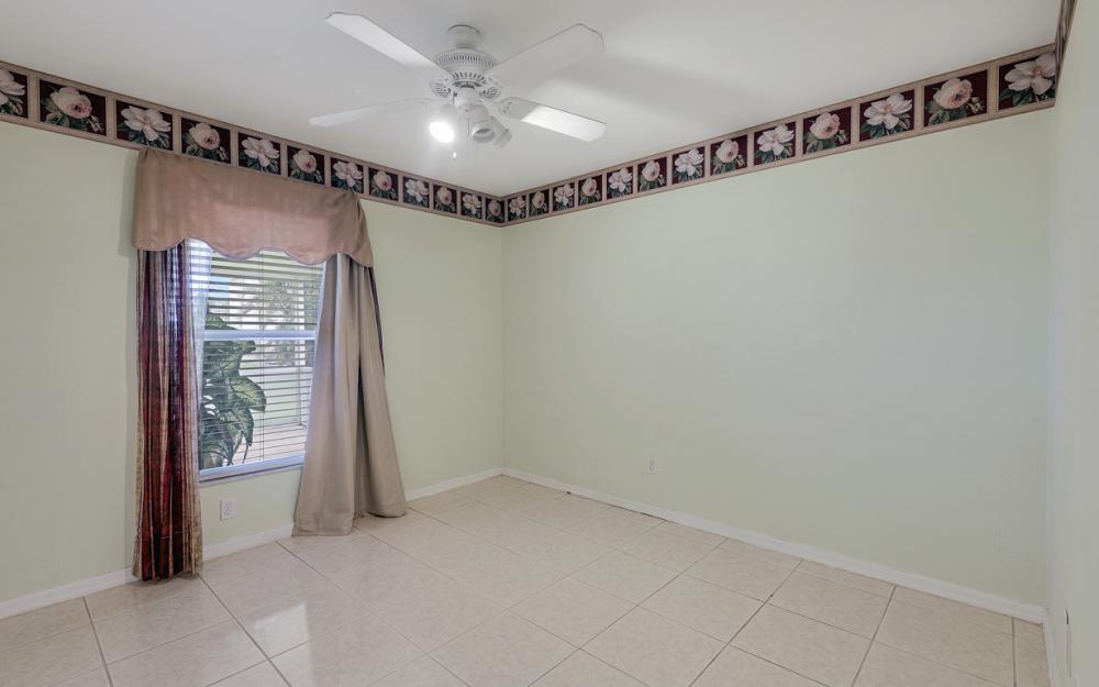 1212 Cape Coral Pkwy W, Cape Coral - Home For Sale 1821240071