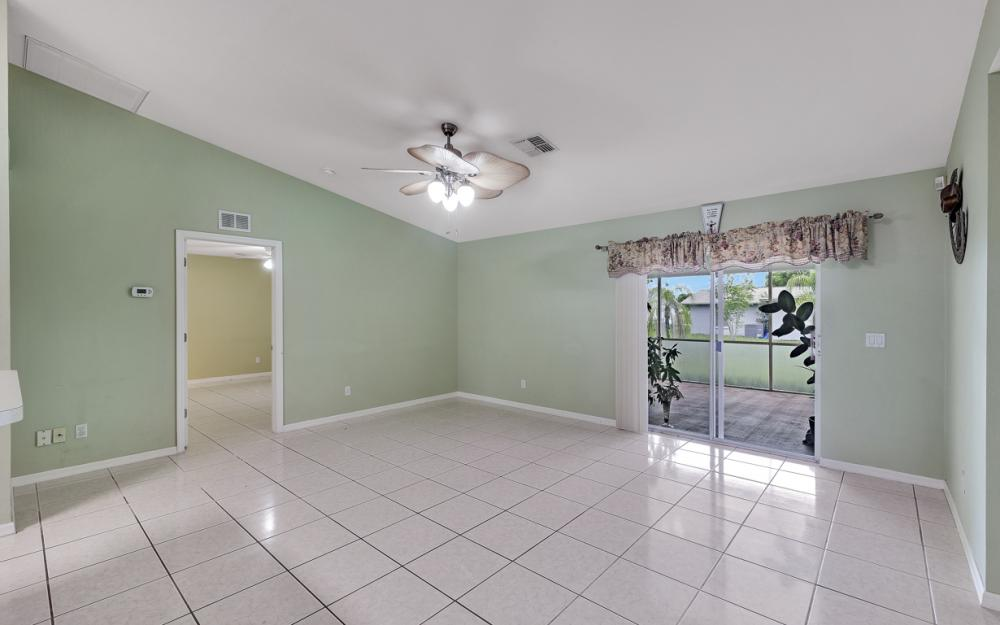 1212 Cape Coral Pkwy W, Cape Coral - Home For Sale 1316416410