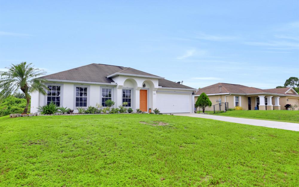 3731 6th Street West, Lehigh Acres - Home For Sale 743552537