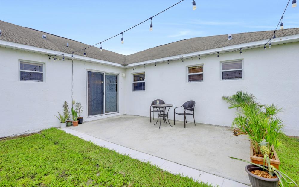 3731 6th Street West, Lehigh Acres - Home For Sale 629972361