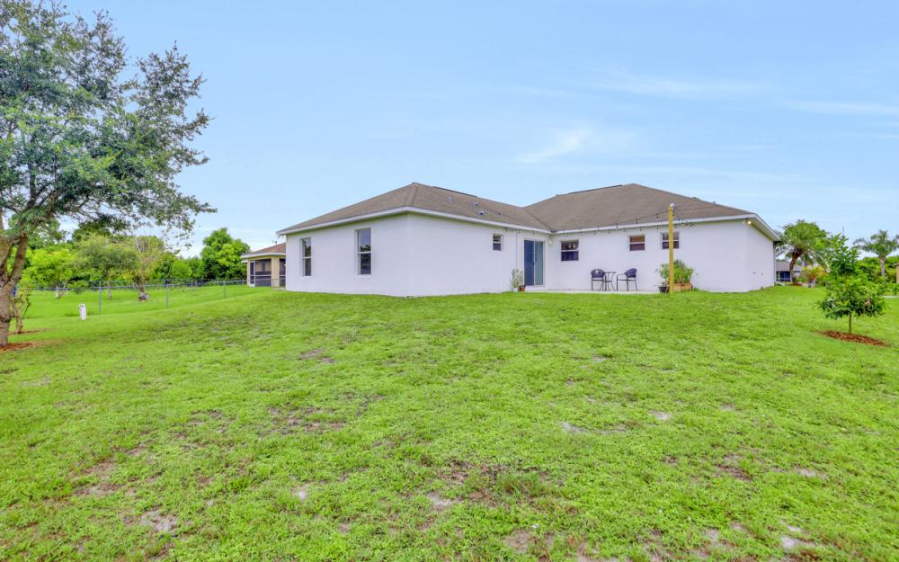 3731 6th Street West, Lehigh Acres - Home For Sale 563684592