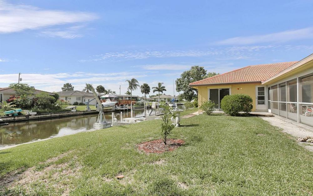 4560 Vinsetta Ave, North Fort Myers - House For Sale 712869809