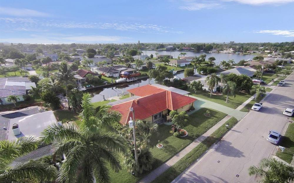4560 Vinsetta Ave, North Fort Myers - House For Sale 852567861