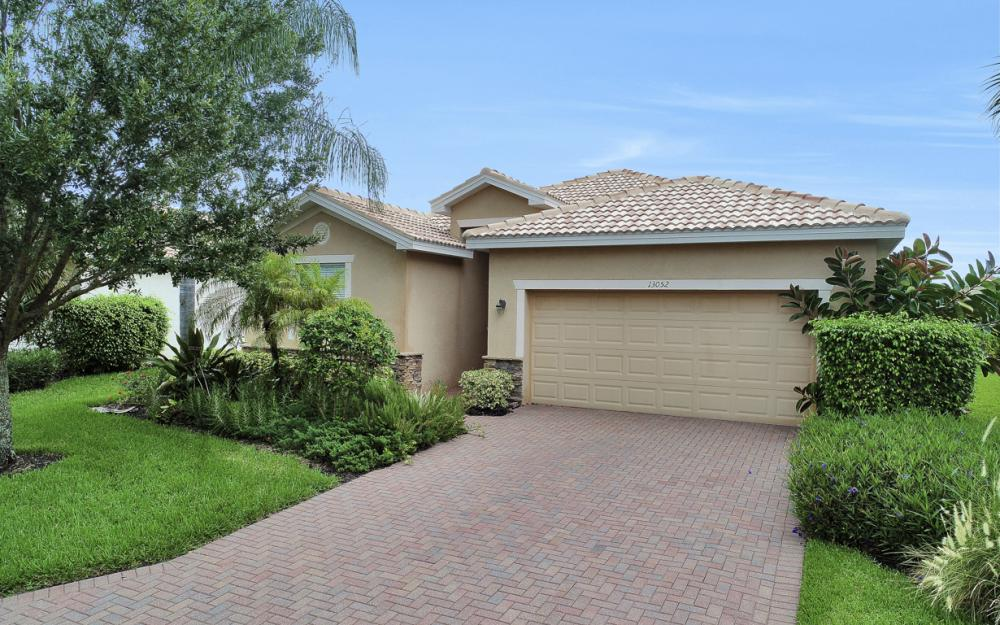 13052 Silver Thorn Loop, North Fort Myers - Home For Sale 955407140