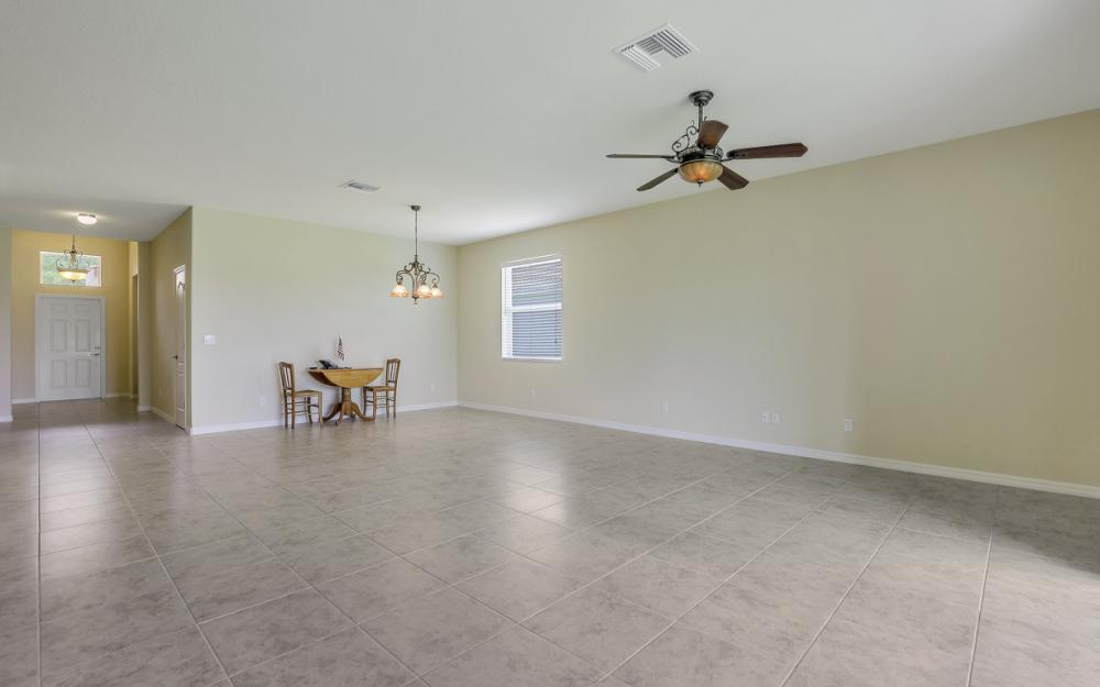 13052 Silver Thorn Loop, North Fort Myers - Home For Sale 890963709