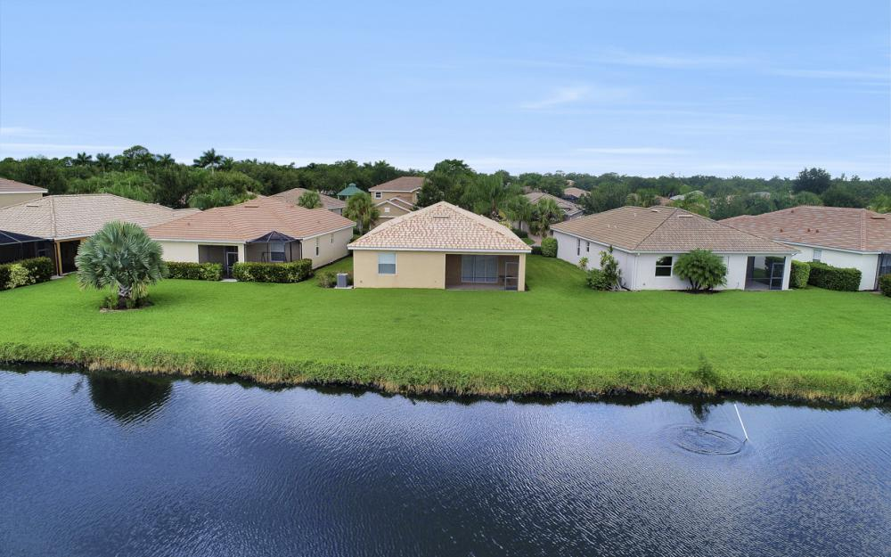 13052 Silver Thorn Loop, North Fort Myers - Home For Sale 2142710824