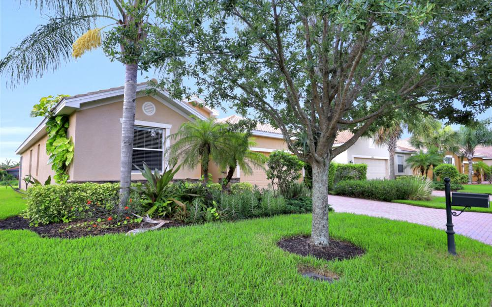 13052 Silver Thorn Loop, North Fort Myers - Home For Sale 1264652113