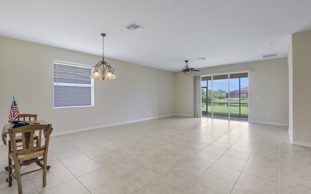 13052 Silver Thorn Loop, North Fort Myers - Home For Sale 427656781