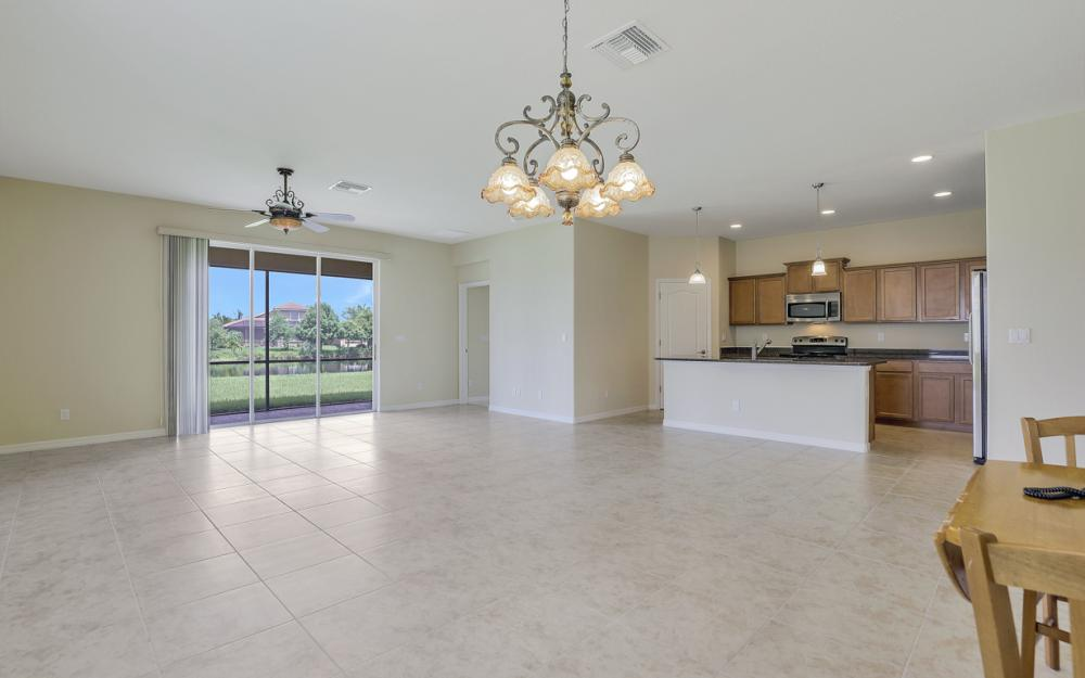 13052 Silver Thorn Loop, North Fort Myers - Home For Sale 437098692