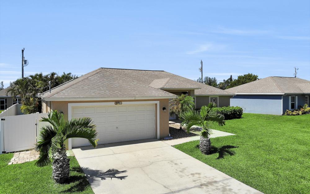 324 SW 19th Terrace, Cape Coral - Home For Sale 1850261221