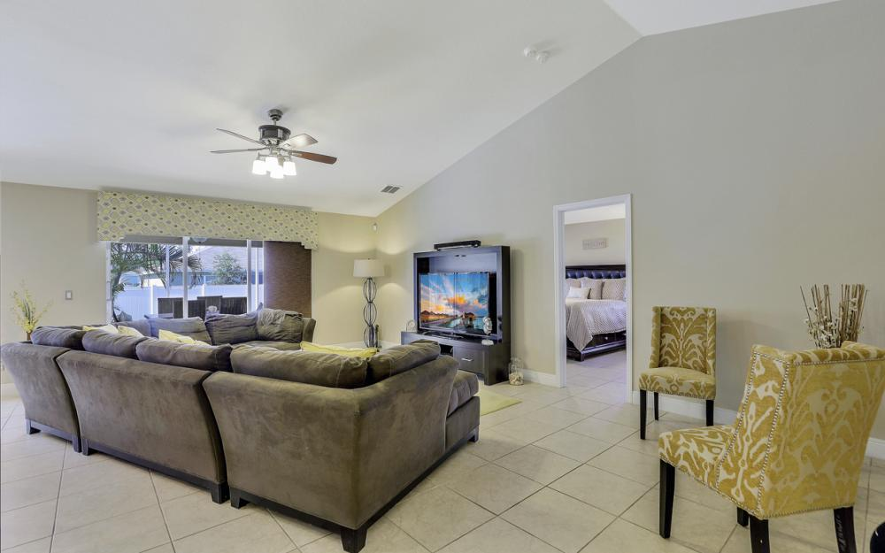 324 SW 19th Terrace, Cape Coral - Home For Sale 1456382746