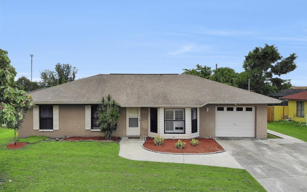 2614 44th Terr SW, Naples - Home For Sale 1762790797