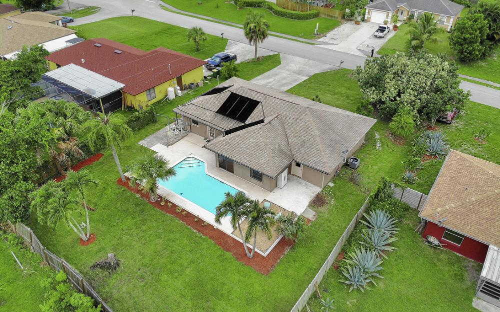 2614 44th Terr SW, Naples - Home For Sale 444398141