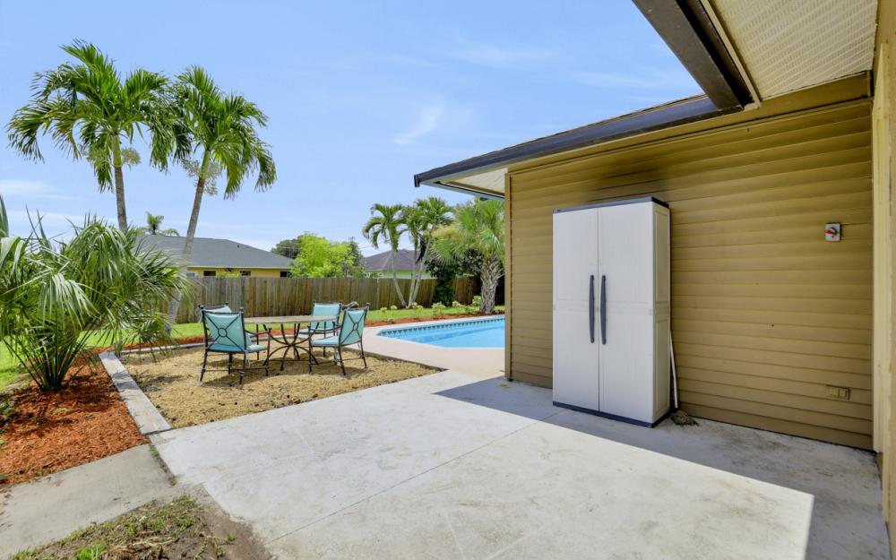 2614 44th Terr SW, Naples - Home For Sale 406287220