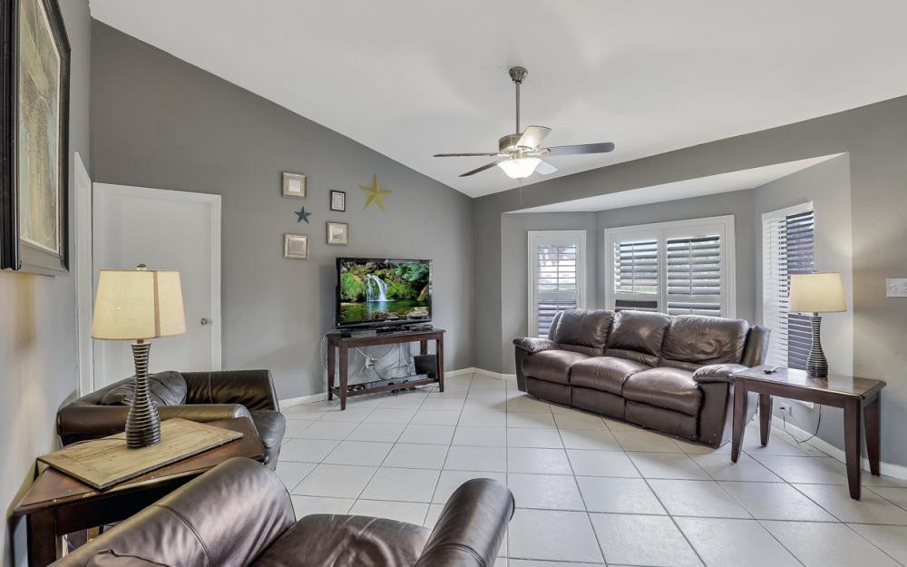 2614 44th Terr SW, Naples - Home For Sale 576959623