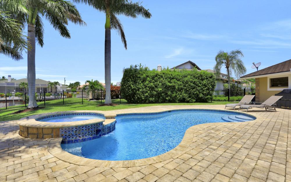 1226 SW 51st St, Cape Coral - Home For Sale 1574316896