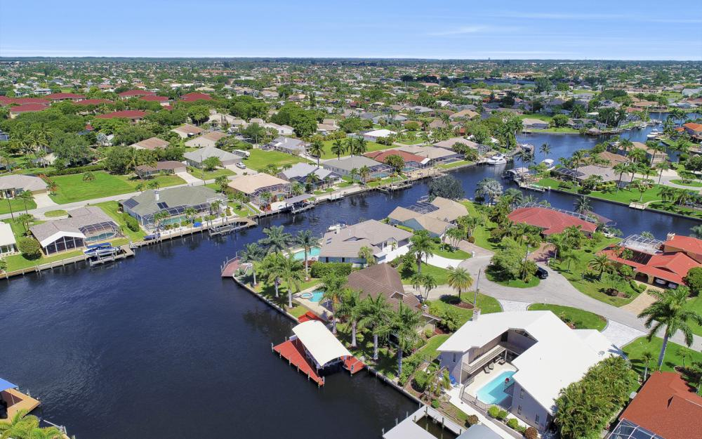 1226 SW 51st St, Cape Coral - Home For Sale 1951074071
