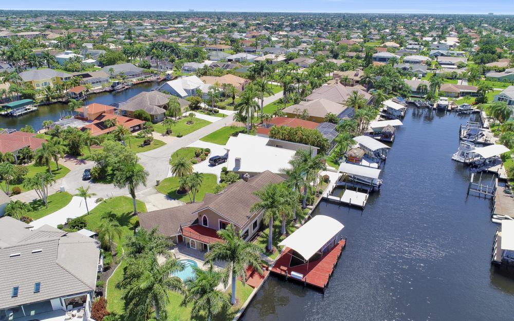 1226 SW 51st St, Cape Coral - Home For Sale 237234917