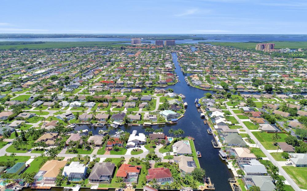 1226 SW 51st St, Cape Coral - Home For Sale 156062592