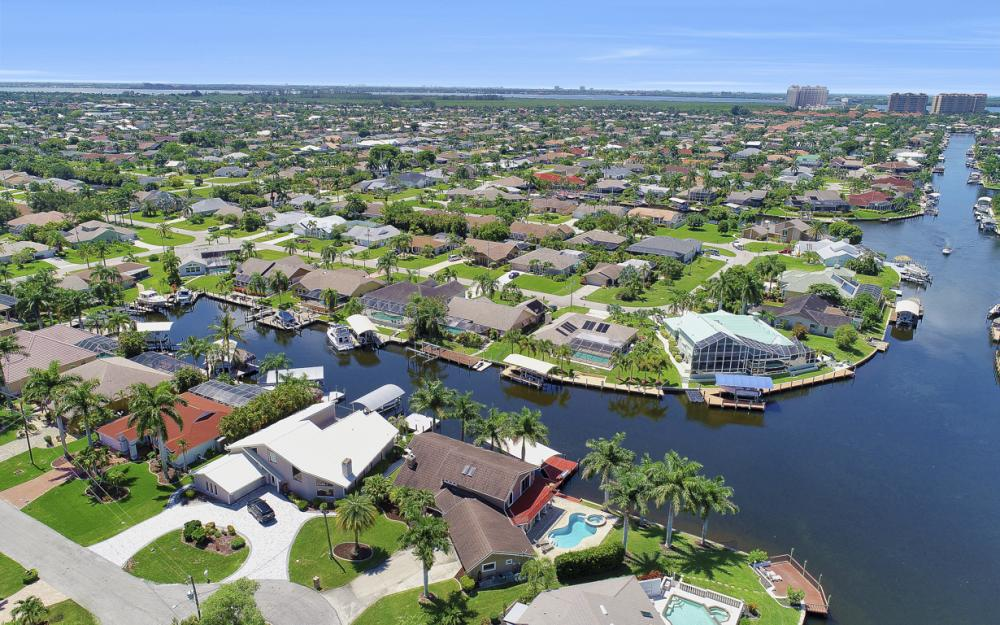 1226 SW 51st St, Cape Coral - Home For Sale 1808631330