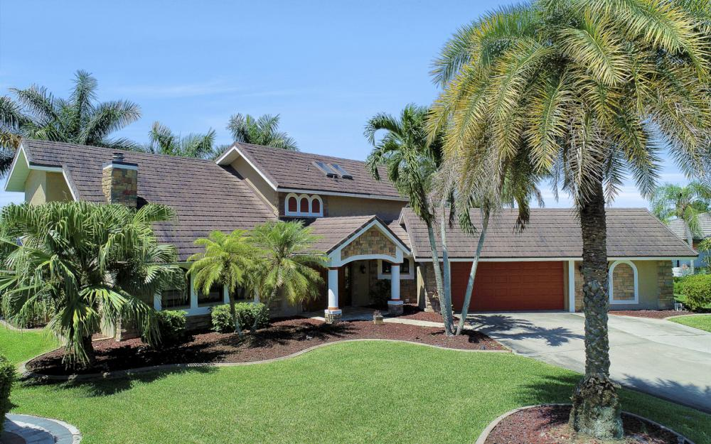 1226 SW 51st St, Cape Coral - Home For Sale 909092305