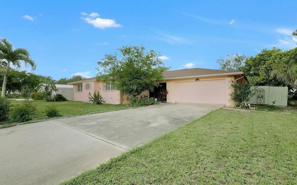 177 Alameda Ave, Fort Myers - House For Sale 848504698