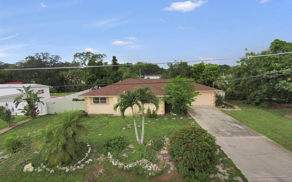 177 Alameda Ave, Fort Myers - House For Sale 1753634508